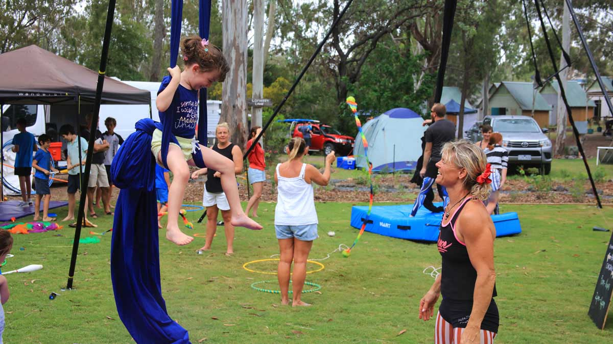 Kids on aerial ropes activity